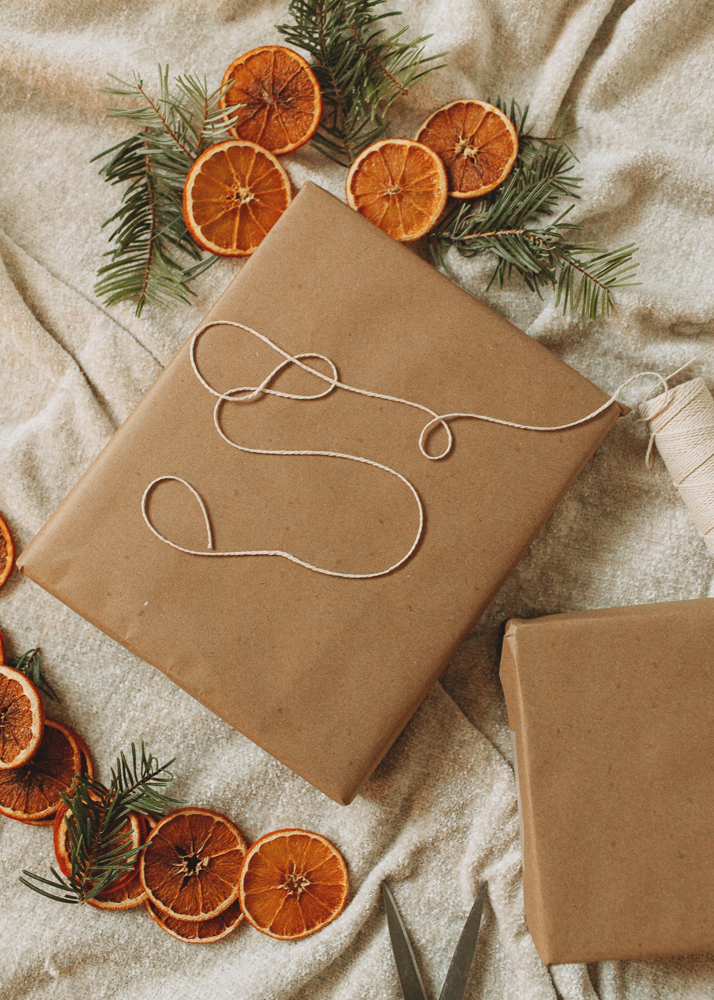 Kraft paper gift wrapping that's simple and waste free!