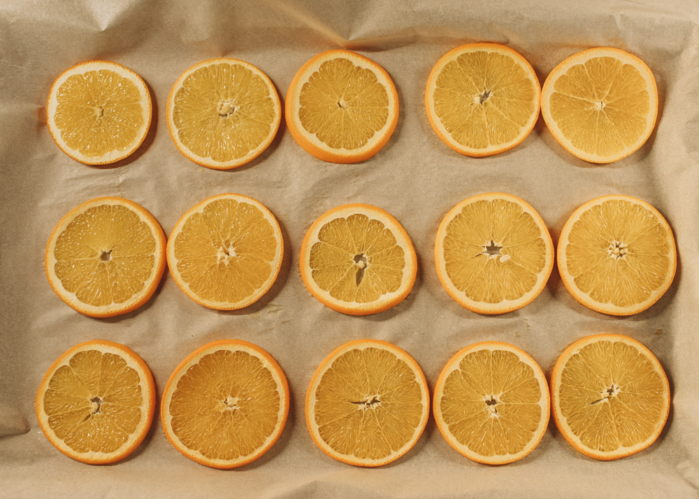 How to Make Dried Orange Slices for garlands, wreaths, gifts, and garnish.